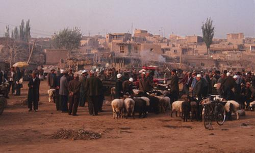 Kashgar morning, before market (1998) Photo (c) Karen Abrahamson