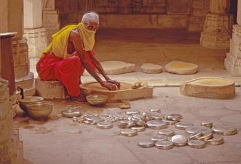 Ranakpur - old temple worker and the Zen of repetitive work (2000) Photo (c) Karen Abrahamson