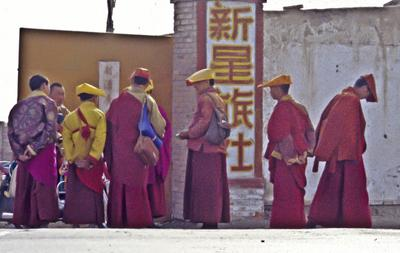 Monks at Qinghai Lake (1998) Photo (c) Karen Abrahamson