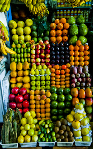 Fruit display, Miraflores market (2011) Photo (c) Karen Abrahamson